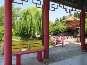 中国庭園の東屋、遠香亭